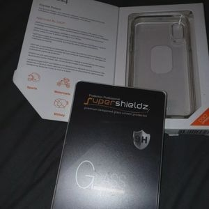 Iphone 11 pro case and 2 screen protectors